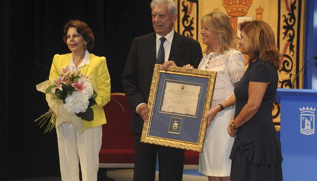 Mario Vargas Llosa, , durante el acto en el que recibe el título de Hijo Adoptivo de Marbella