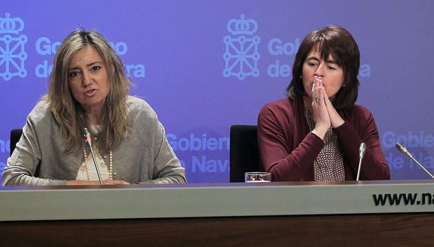 De izda a dcha, la directora  general de Salud, Cristina Ibarrola, y la consejera de Salud, Marta Vera, en una foto de archivo
