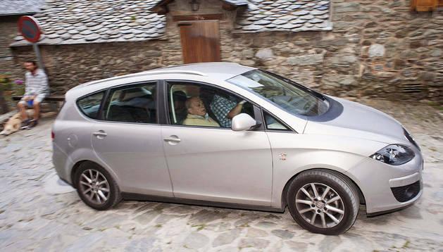 El expresidente de la Genaralitat, Jordi Pujol, a su llegada a la localidad de Queralbs, en Girona