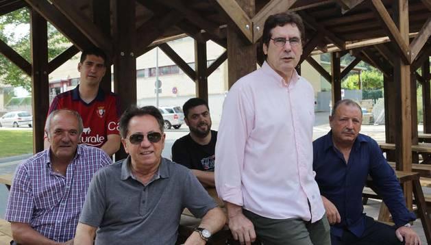 De izquierda a derecha, Luis Ibero, Marino Zulet, Jesús Dronda, Ángel Larrea, Javier Zabaleta y Pedro Zudaire, los miembros de la junta gestora de Osasuna, en su primera reunión tras salir elegidos en la asamblea de socios compromisarios