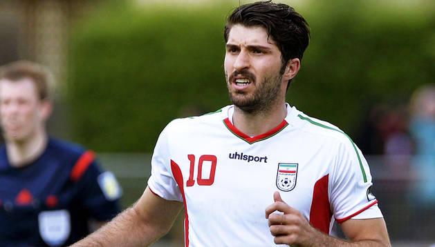 Karim Ansarifard, en un encuentro con la selección de Irán, tiene 24 años y ha sido 44 veces internacional