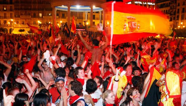 La Plaza del Castillo fue durante los Sanfermines de 2010 el epicentro de las celebraciones de las victorias de España en el Mundial