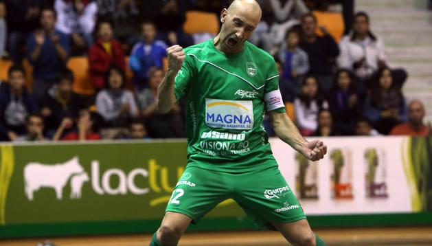 Javi Eseverri celebra un gol contra el Gran Canaria