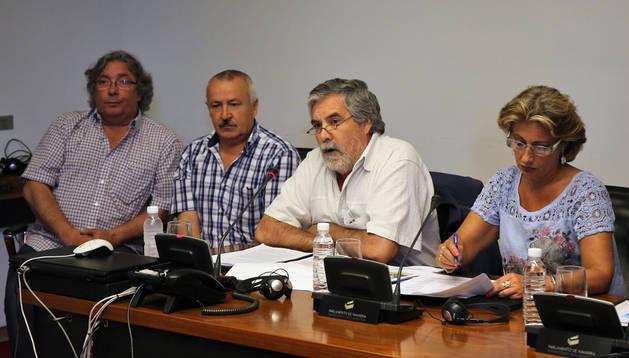 Enrique Miranda, tercero desde la izquierda, en una imagen de archivo.
