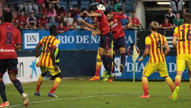 Imágenes del primer encuentro de la Liga Adelante, temporada 2014/2015, disputado en El Sadar entre el C.A. Osasuna y el Barcelona B con victoria rojilla.