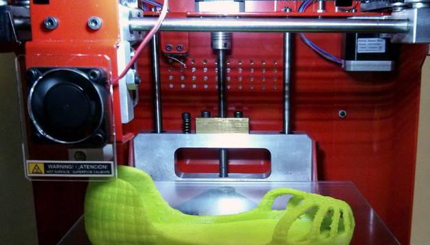 Fabricación de unas zapatillas con este tipo de impresoras.