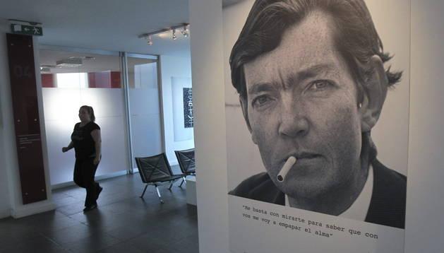 Una exposición de Julio Cortázar en el 100 aniversario de su nacimiento.
