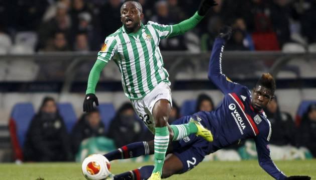 Cedrick, en su partido ante el Olympique de Lyon