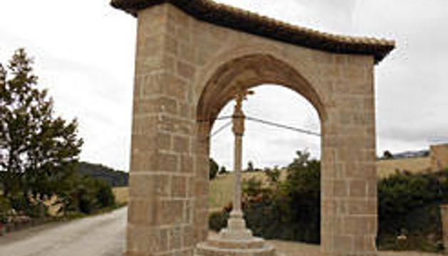 Detalle de la cruz y la bóveda del crucero de Aramendía.