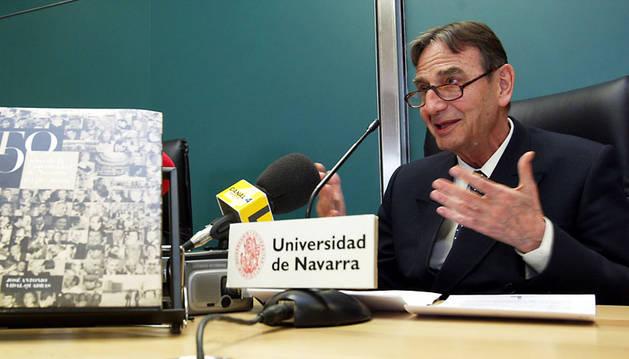 José Antonio Vidal-Quadras, durante la presentación del libro '50 años de la Universidad de Navarra'