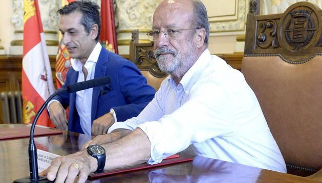 El alcalde de León Francisco Javier de la Riva.