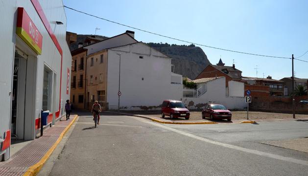 El solar de la calle Pamplona tiene capacidad para 20 vehículos.