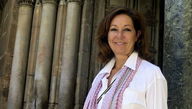 Ana Rosa Quintana, frente a la entrada del Santo Sepulcro en Jerusalén