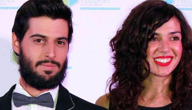 Los actores Juan Yuste y Noemí Rodríguez, organizadores.