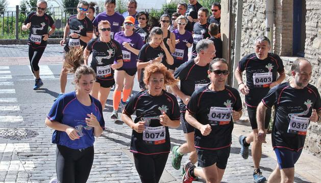 Imágenes de la carrera solidaria 'Una mano para Lola', celebrada este domingo en Huarte.
