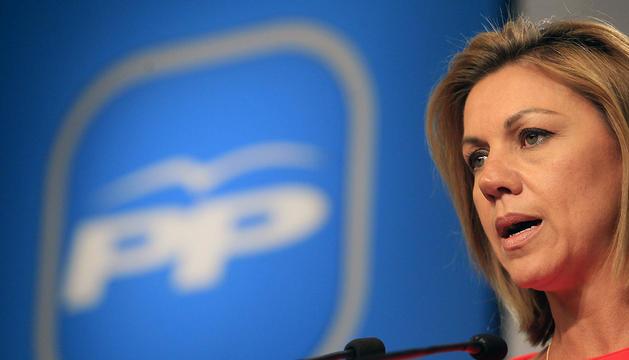 La secretaria general del PP, María Dolores de Cospedal, durante la rueda de prensa de este lunes