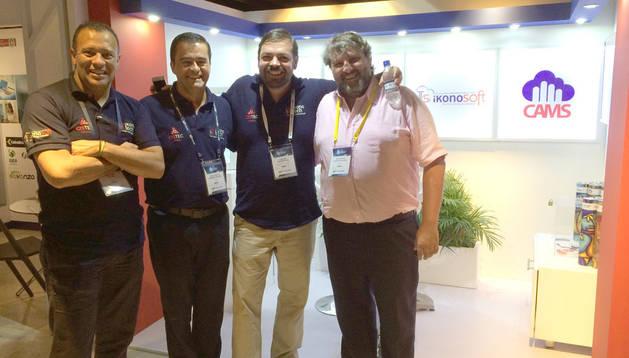 José Antonio Guruceláin con representantes de empresas colombianas