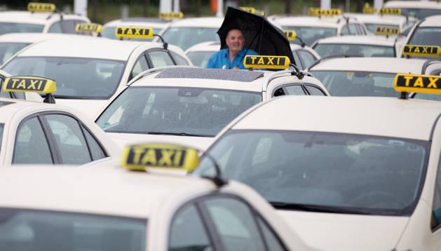Una protesta de taxistas en Alemania contra Uber.