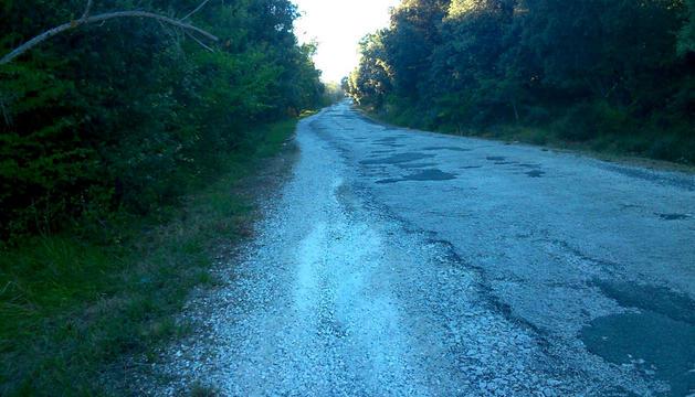 Baches en la vía que sube al monte Ezkaba.