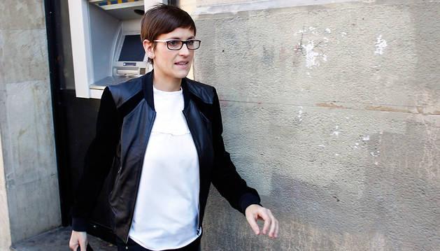 María Chivite, dirigiéndose a la sede del PSN en el Paseo Sarasate de Pamplona