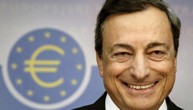 El presidente del BCE, Mario Draghi, comparece en una rueda de prensa en la sede del organismo en Fráncfort, este jueves