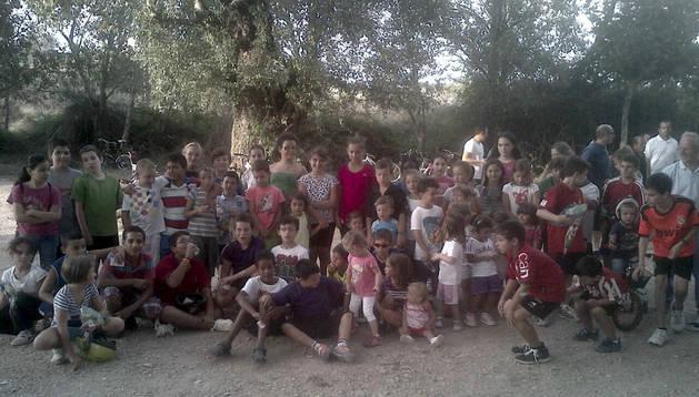 La jornada de este año contó con un nuevo punto de encuentro, en una zona arbolada a orillas del Ebro.