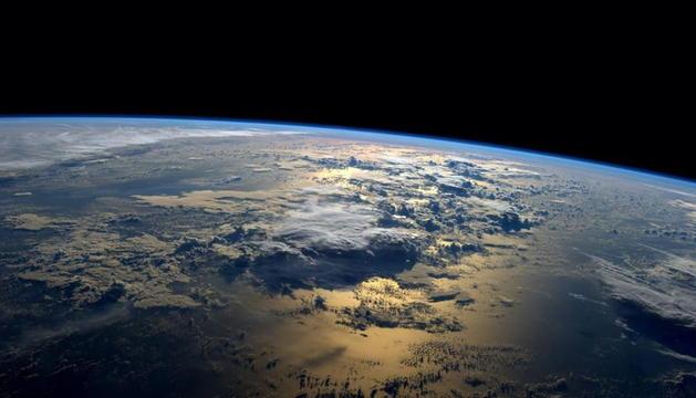 Vista de la Tierra facilitada este jueves por la NASA