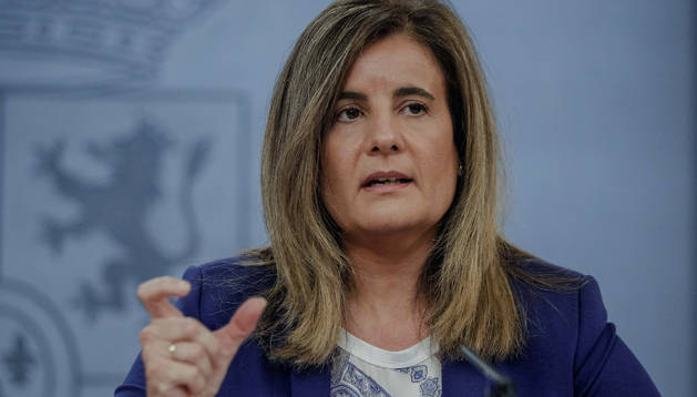 Fátima Báñez, en rueda de prensa anunciando las medidas del nuevo plan de empleo.
