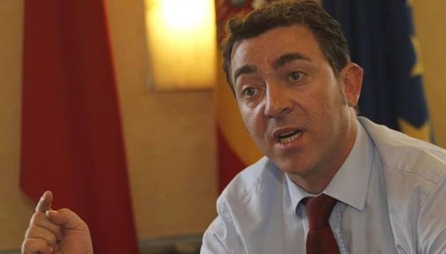 Roberto Jímenez, en su comparecencia para dar fecha a las primarias del PSN.