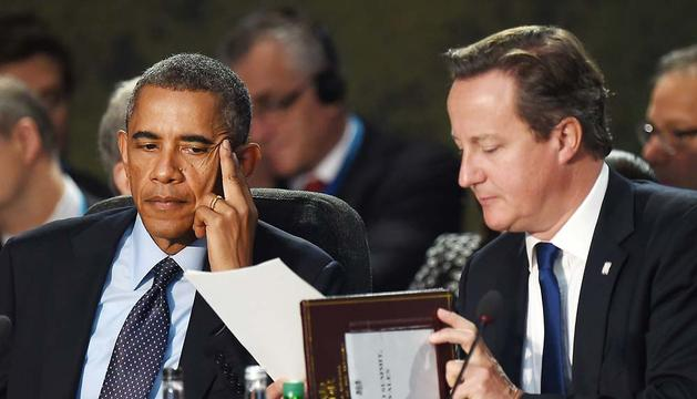 Obama y Cameron, en Minsk.