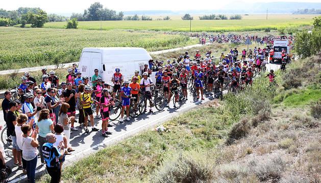 Los cicloturistas se volcaron este domingo con los compañeros y familiares de los dos ciclistas fallecidos en junio en la curva de Traibuenas
