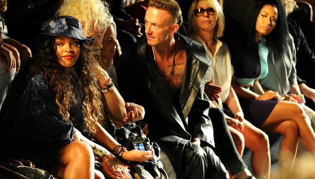 De izda. a dcha., Rihanna, Yolandi Visser, Ninja y Nicki Minaj durante el desfile de Alexander Wang