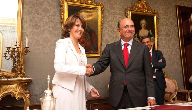 Botín, con Barcina, en un acuerdo firmado entre el Gobierno foral y el Banco Santander en junio de 2012
