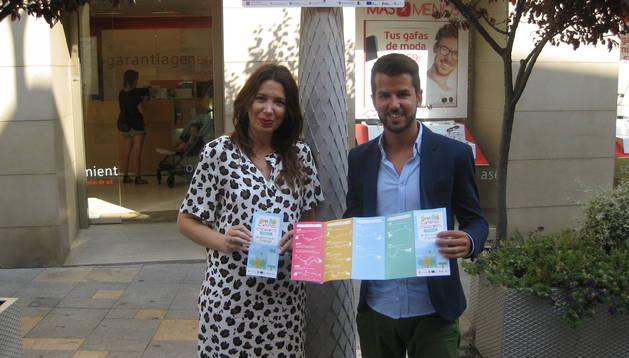 Los concejales Reyes Carmona y Joaquim Torrents presentan 'Caminos Escolares'.