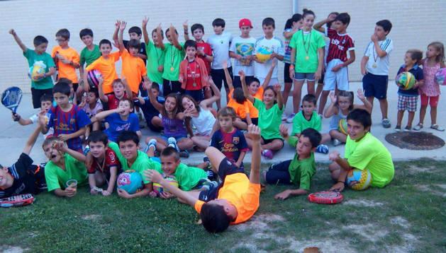 Niños participantes en el torneo de pádel