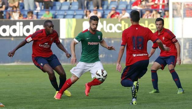 Raoul Loé y Mikel Merino, contra el Athletic