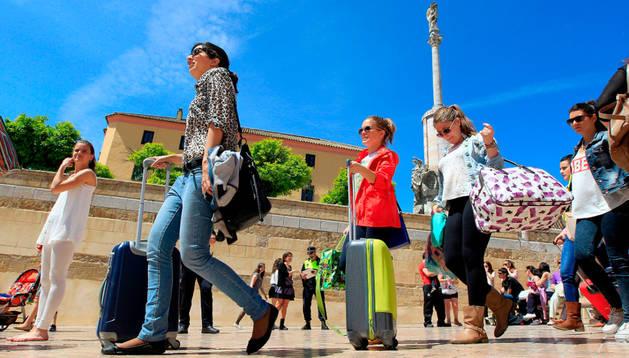El turismo como fenómeno característico de la sociedad moderna, en Documentos TV.