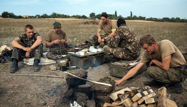 Soldados ucranianos cerca de la ciudad de Pervomaysk.