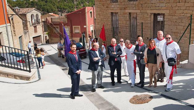 El consejero Javier Morrás (3º por la izda.) junto al resto de autoridades durante el acto en Torres del Río