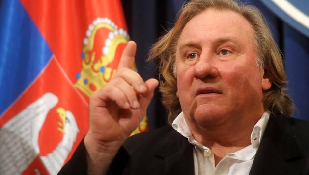 Gerard Depardieu durante una entrevista con el primer ministro serbio Aleksandar Vucic