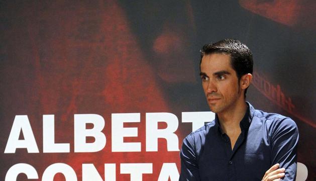 Alberto Contador, en el recibimiento que el presidente de la Comunidad de Madrid realizó al ciclista
