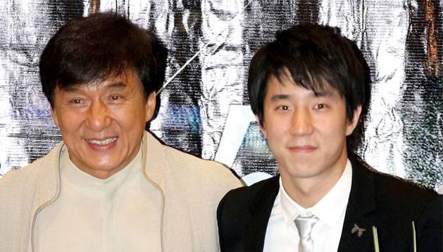 Jackie Chan junto a su hijo Jaycee.