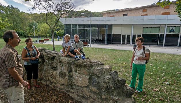 Exterior del cine Los Llanos de Estella, en una imagen de ayer.