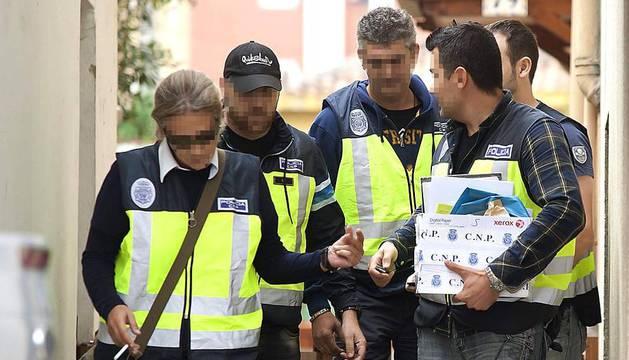 La Policía Nacional ha detenido este miércoles en Santander a un hombre como presunto autor de los secuestros y abusos a varias menores en el barrio de Ciudad Lineal de Madrid y alrededores en los últimos meses, ha informado el ministro de Interior, Jorge Fernández Díaz.