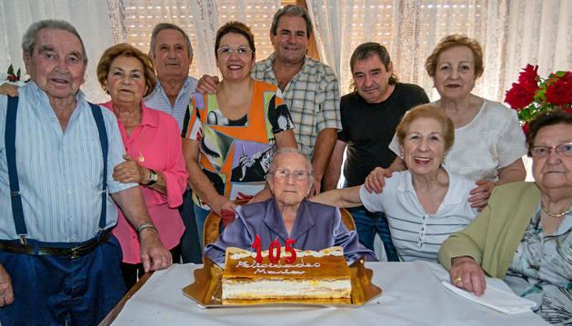 Desojo celebra con cohetes los 105 años de María Segura