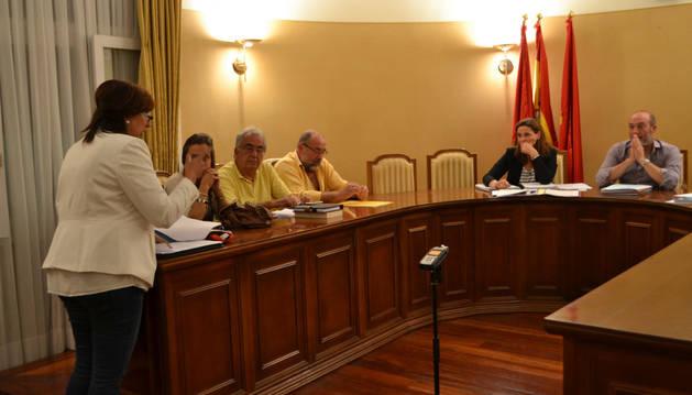 Tres ediles abandonan el Pleno del Ayuntamiento de San Adrián