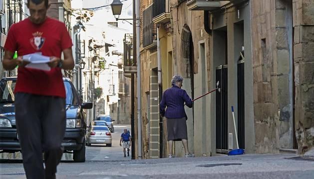 Una imagen de la calle Mayor de Los Arcos, donde pronto comenzarán las obras.