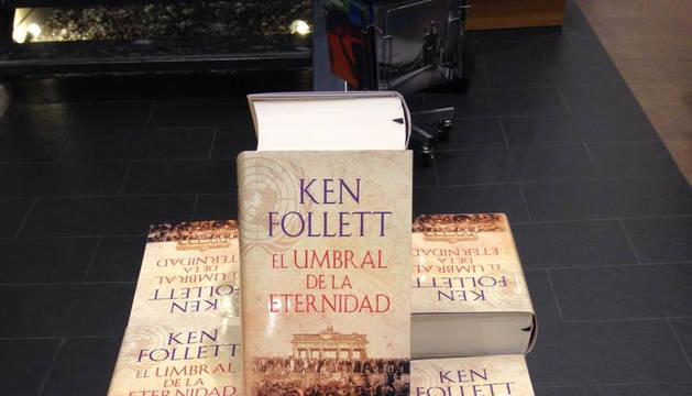 'El umbral de la eternidad', número uno de ventas