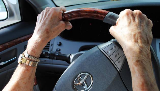 La mejora en la calidad de vida permite a muchos mayores mantener las facultades para seguir conduciendo con seguridad.