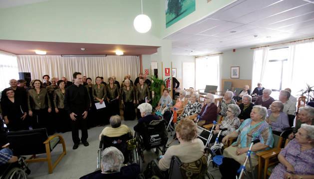 Concierto del coro Joaquín Gaztambide para los mayores